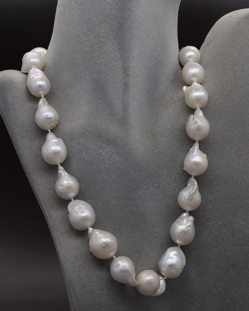 Collana di perle bianche giganti barocche