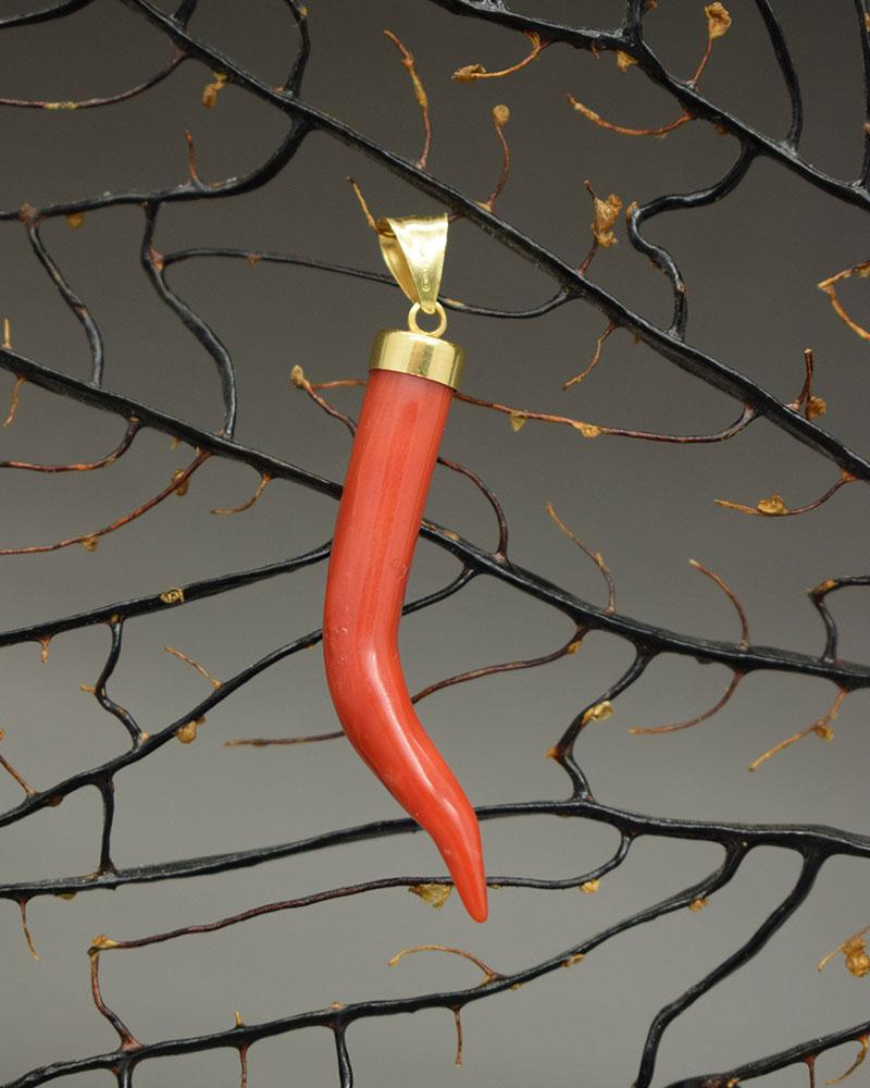 Cornetto di Corallo Rosso in Oro