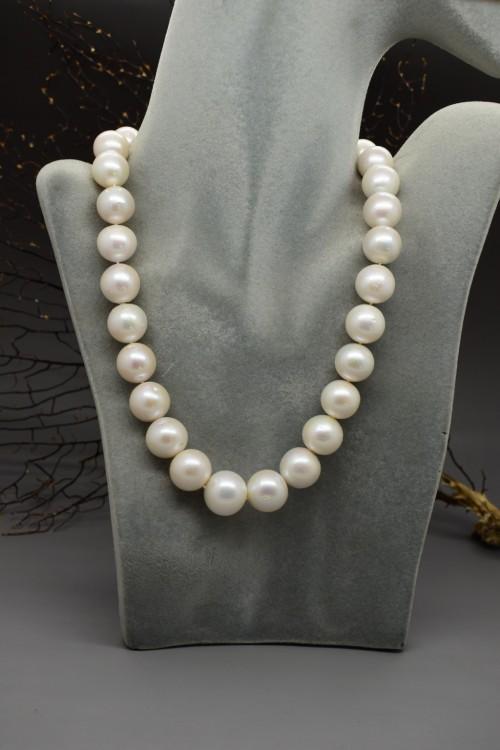 collana di perle di fiume giganti con nucleo