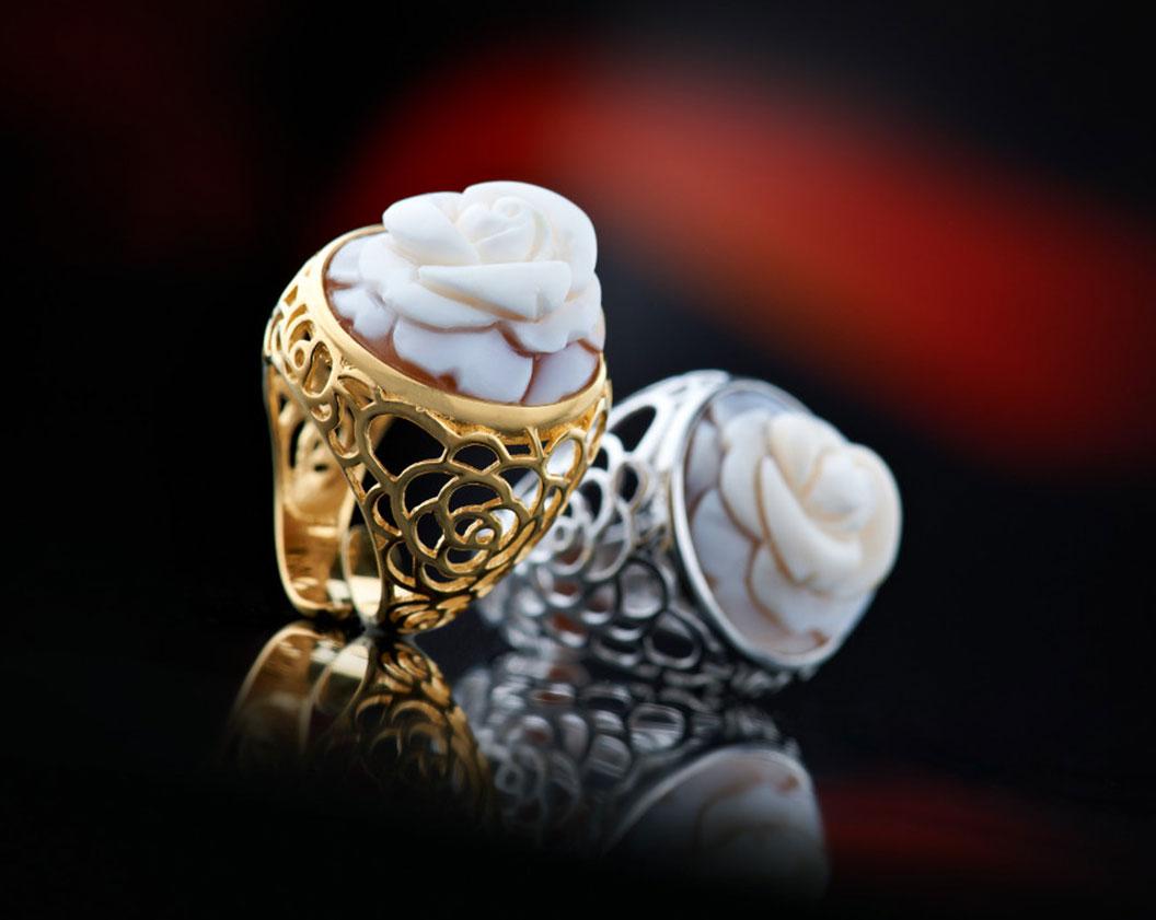 Cameo Italiano, anelli lavorati a mano