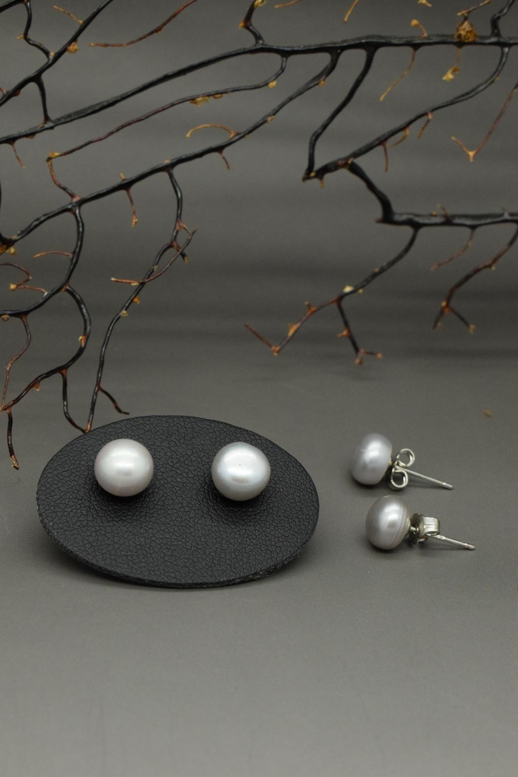 Perle di fiume a bottone grigie 1a misura in argento 925