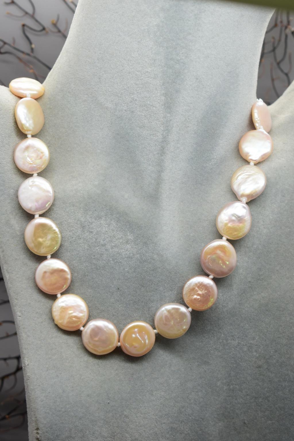 rivenditore di vendita 40252 e18e0 Collana di perle di fiume rosa