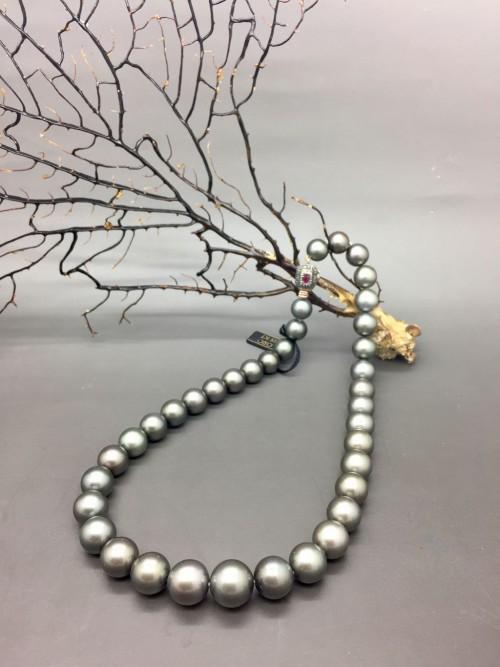 filo di perle nere tahiti